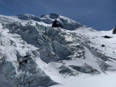Glacier balayé par le vent